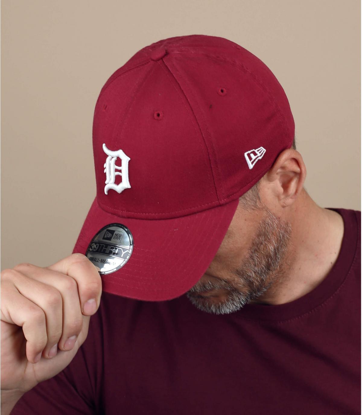 gorra D granate