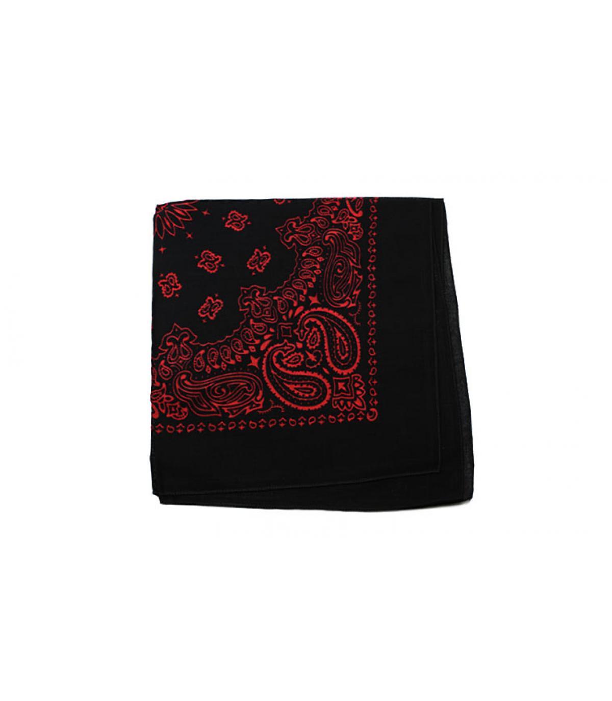 pañuelo negro rojo