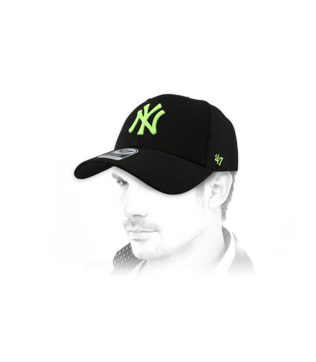 gorra NY negro amarillo 47