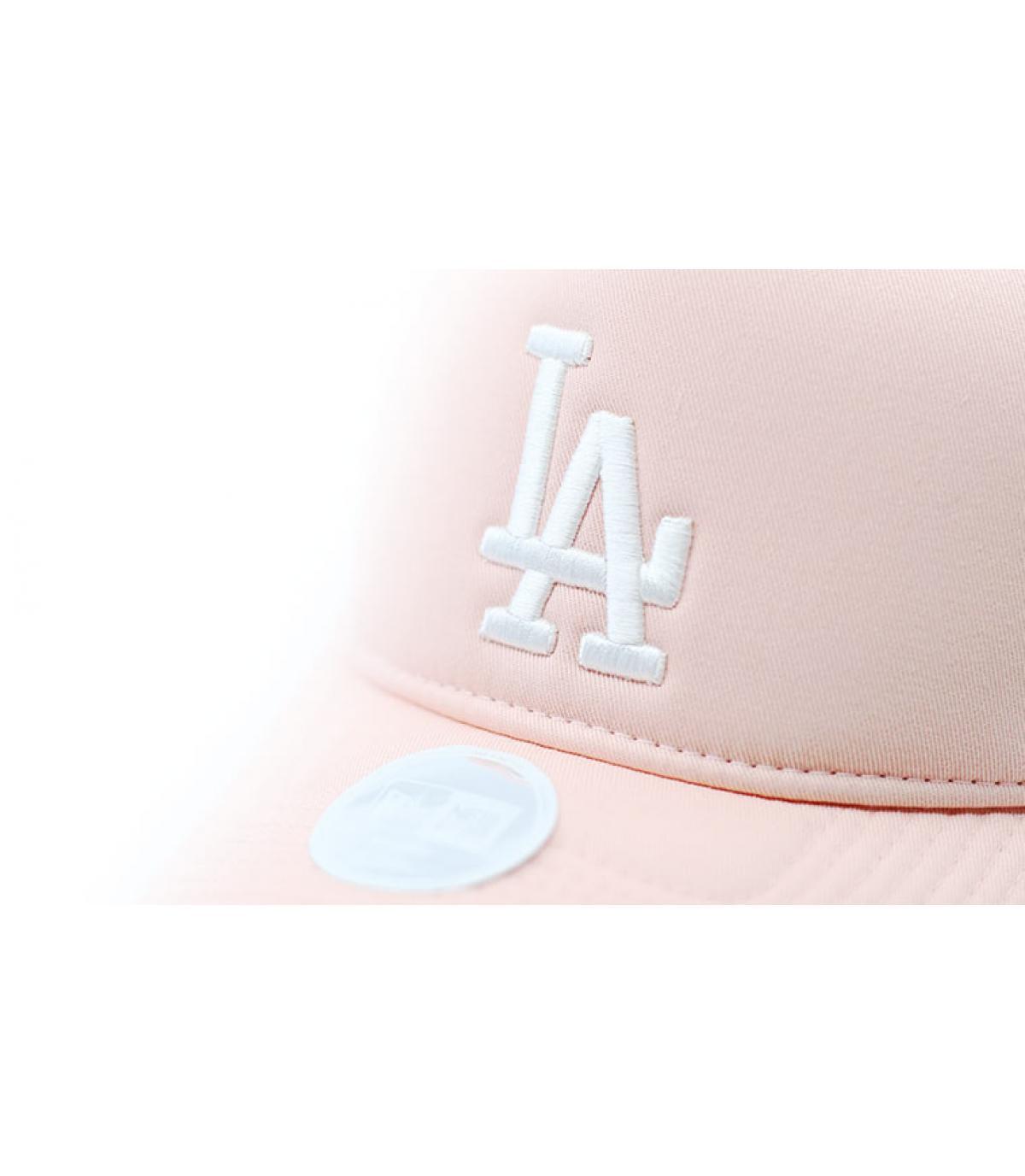 Detalles Female Wmns League Ess Trucker LA pink imagen 3
