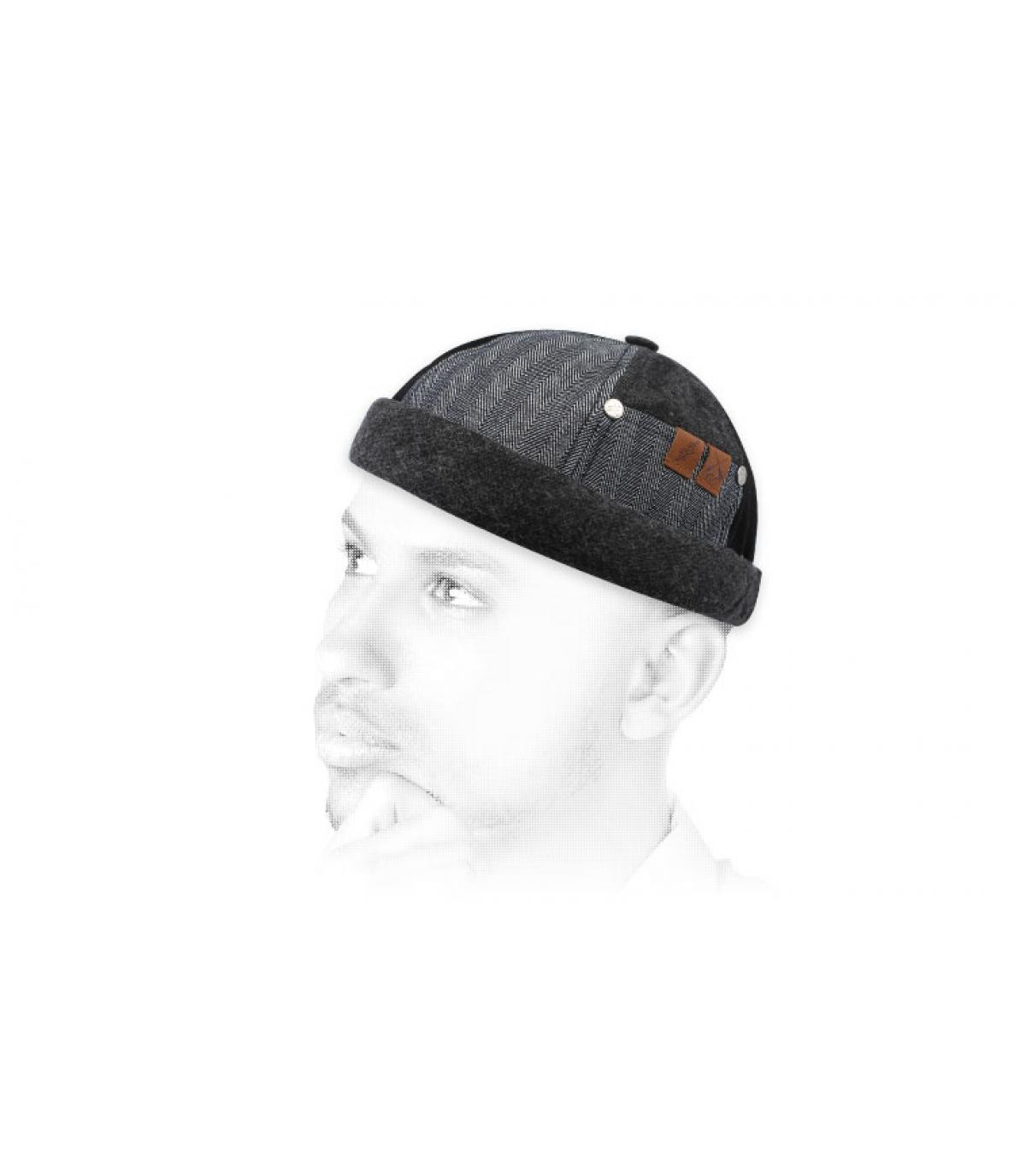 Miki gris negro franela