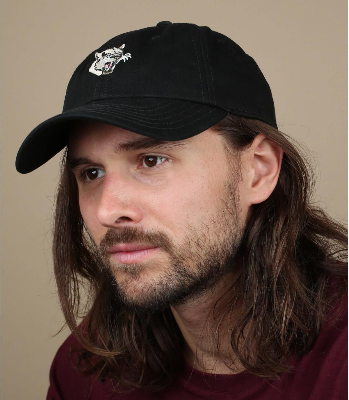 gorra negra pantera Wemoto