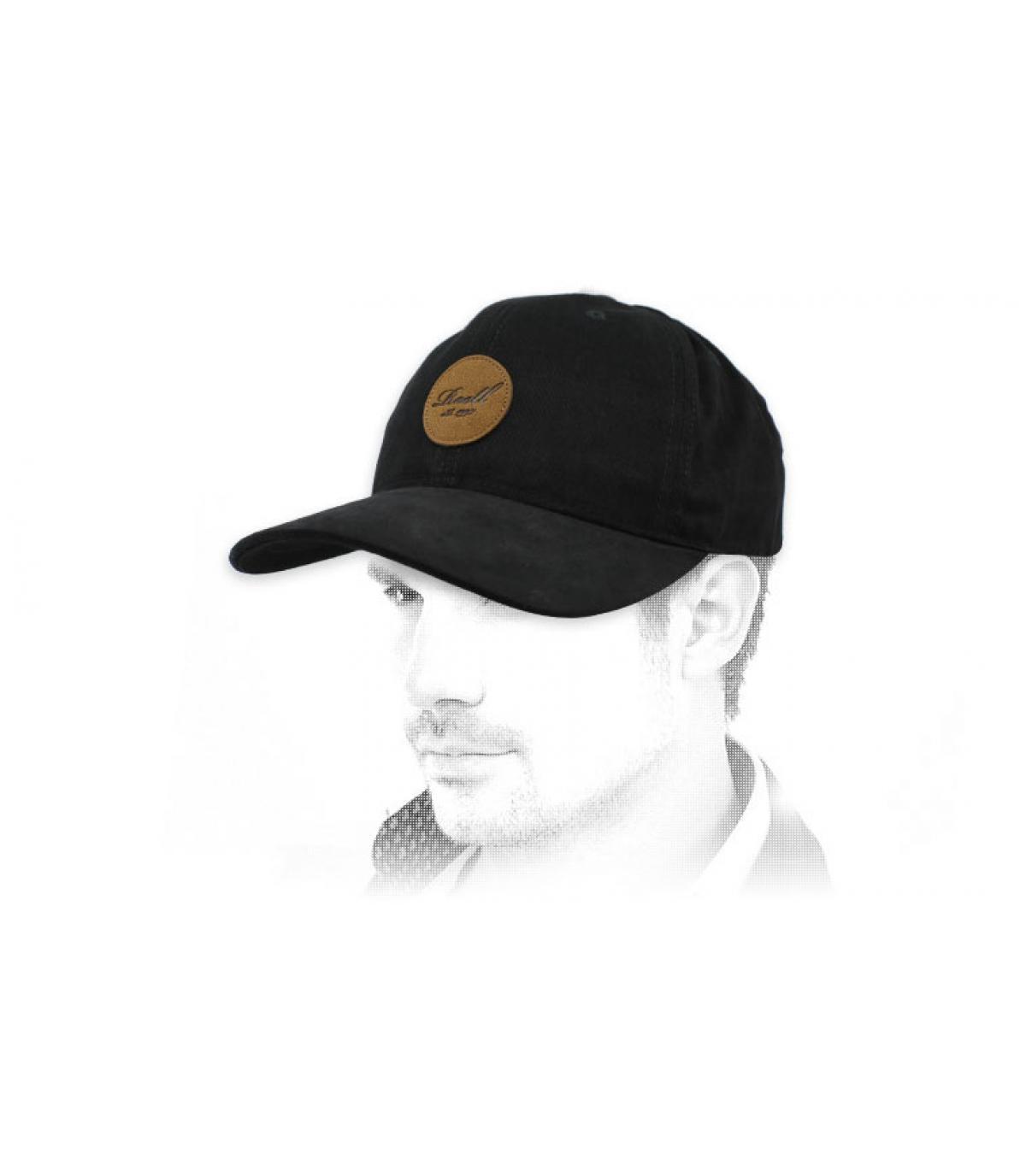 gorra negra Reell