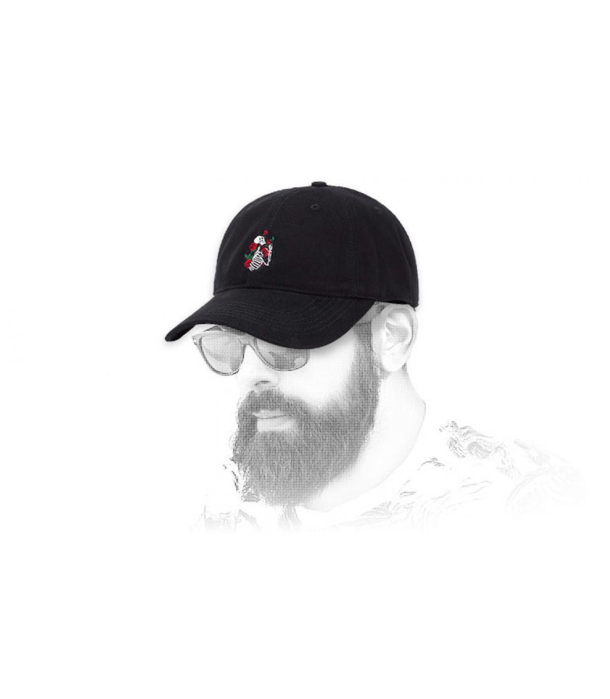 gorra esqueleto rosas negro