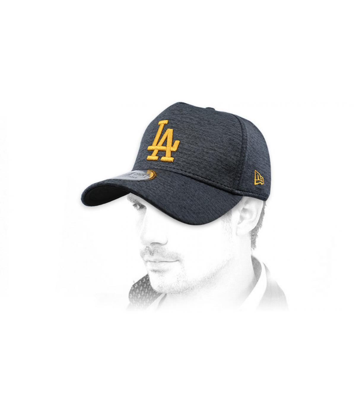 gorra LA negro amarillo