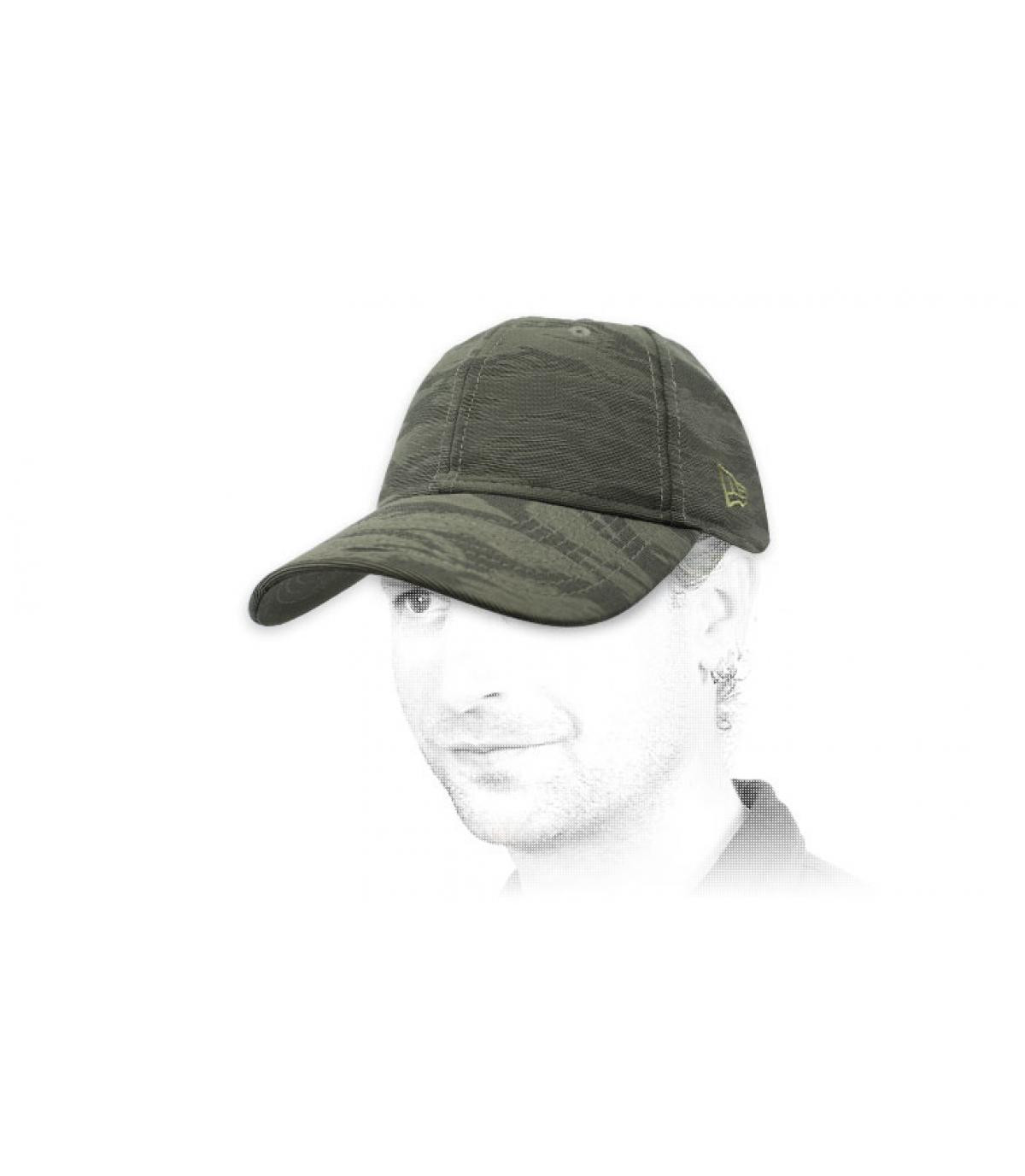 gorra New Era camo gris