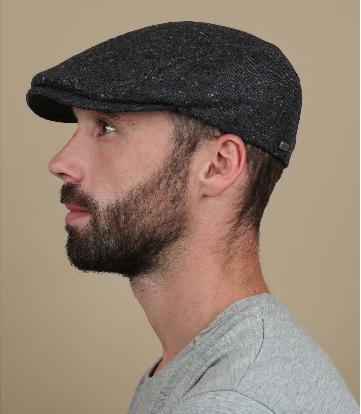 gorra gris jaspeado