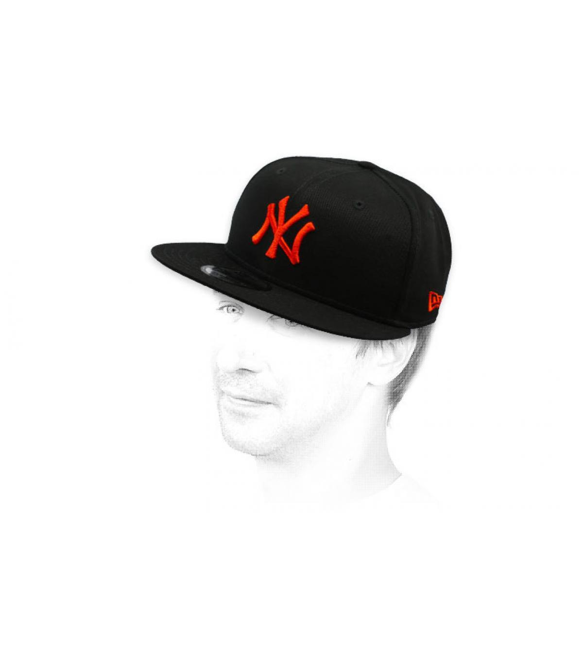 gorra snapback NY negro rojo