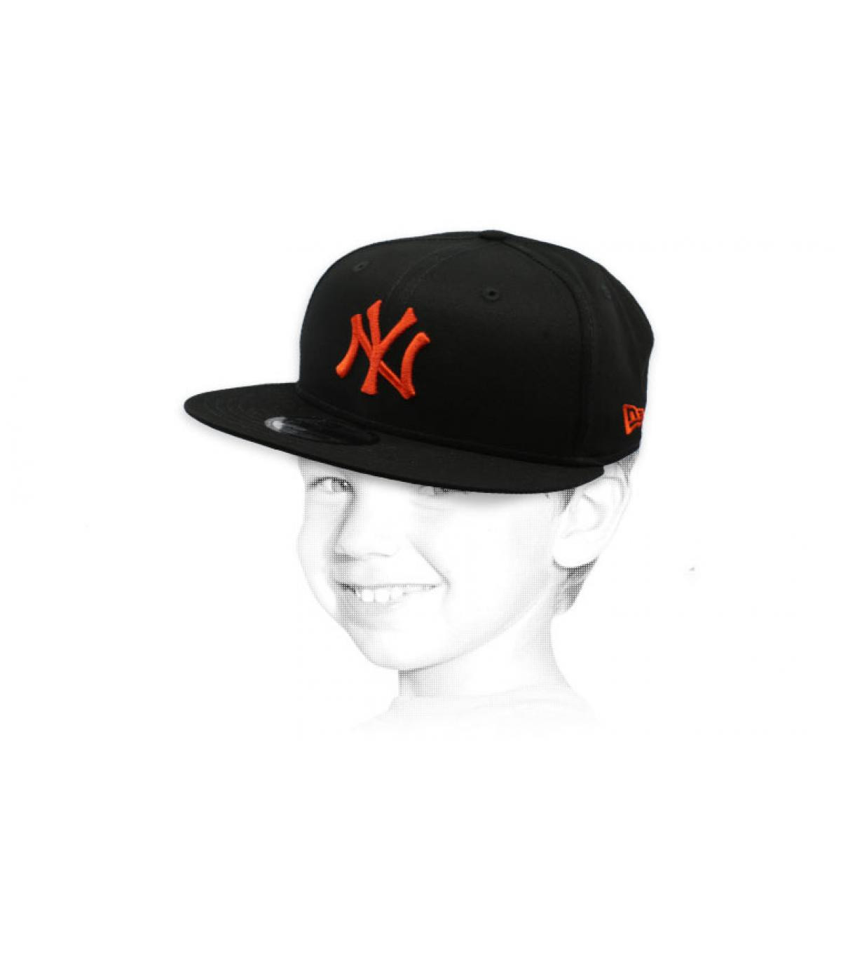 snapback niño NY negro naranja