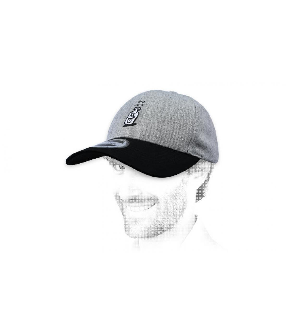 gorra botella blanco negro