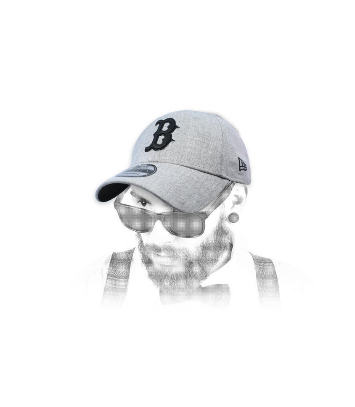 gorra B gris negro