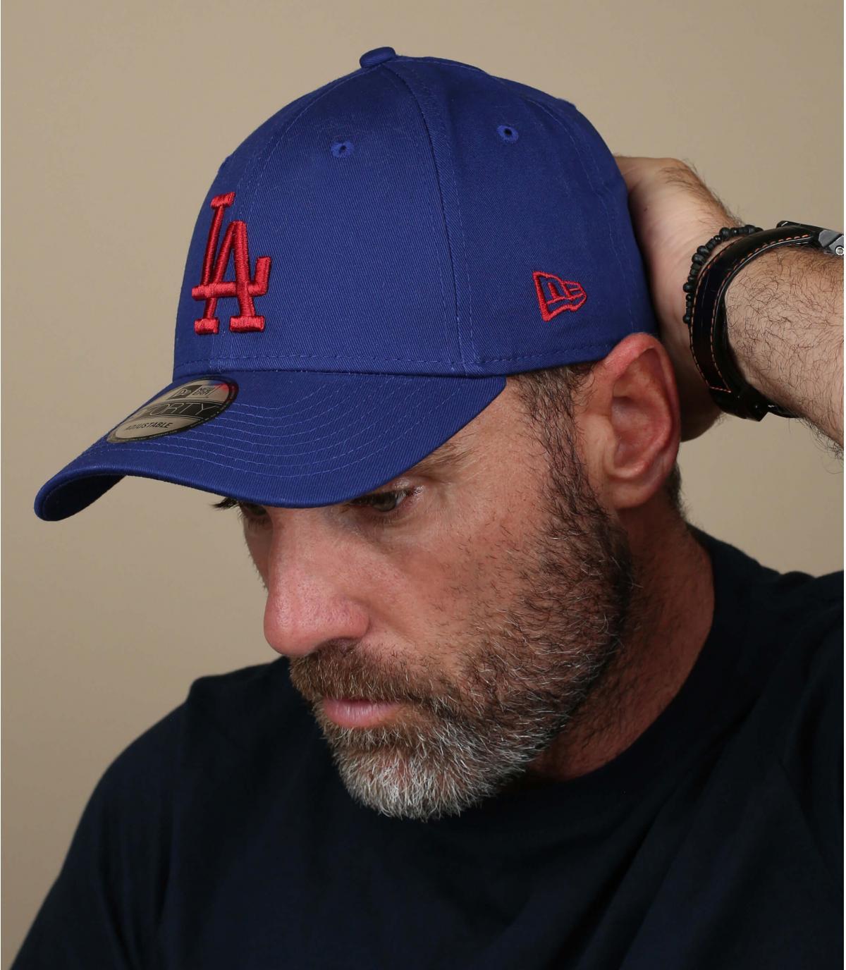 gorra LA azul rojo