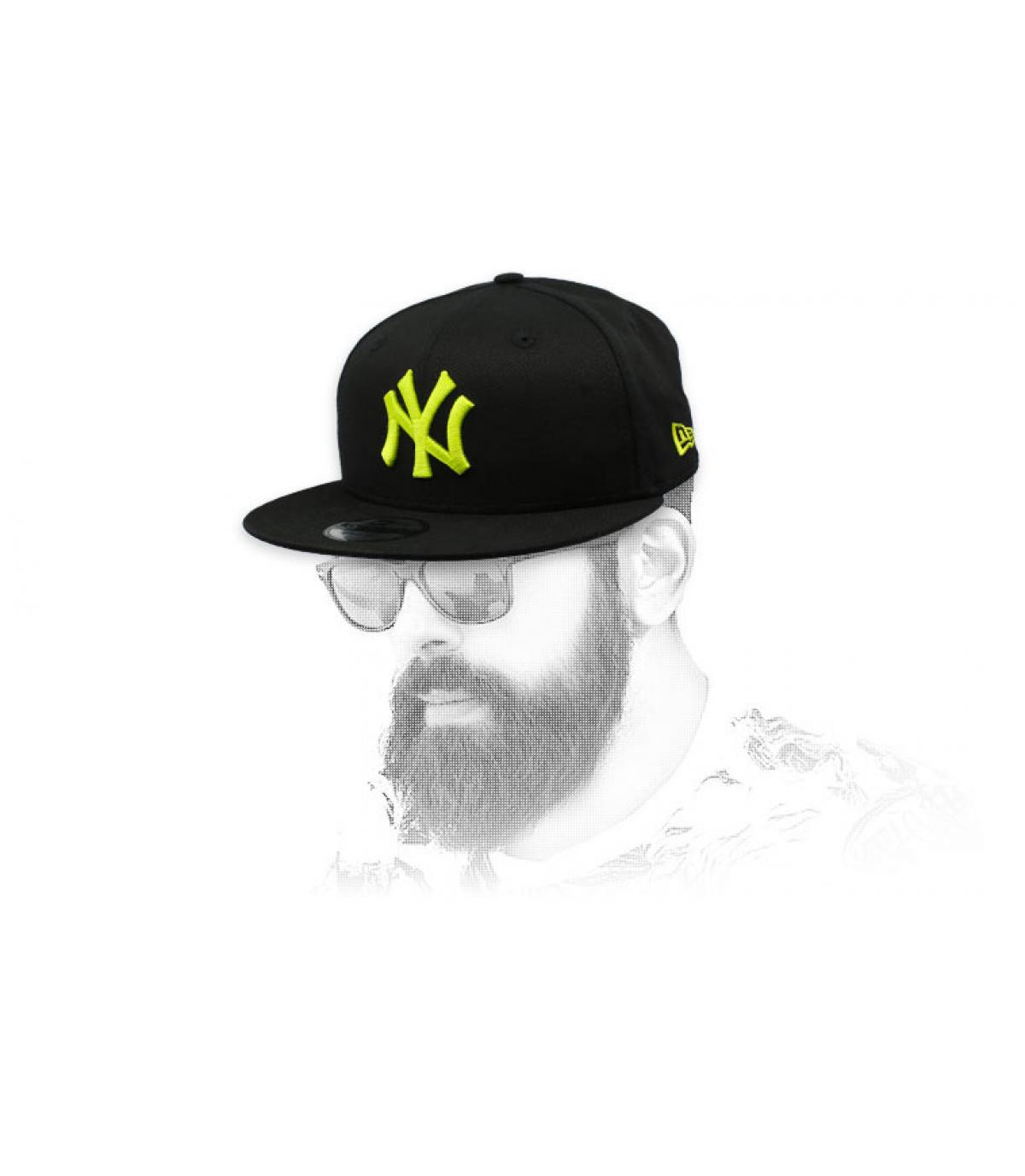 snapback NY negro amarillo