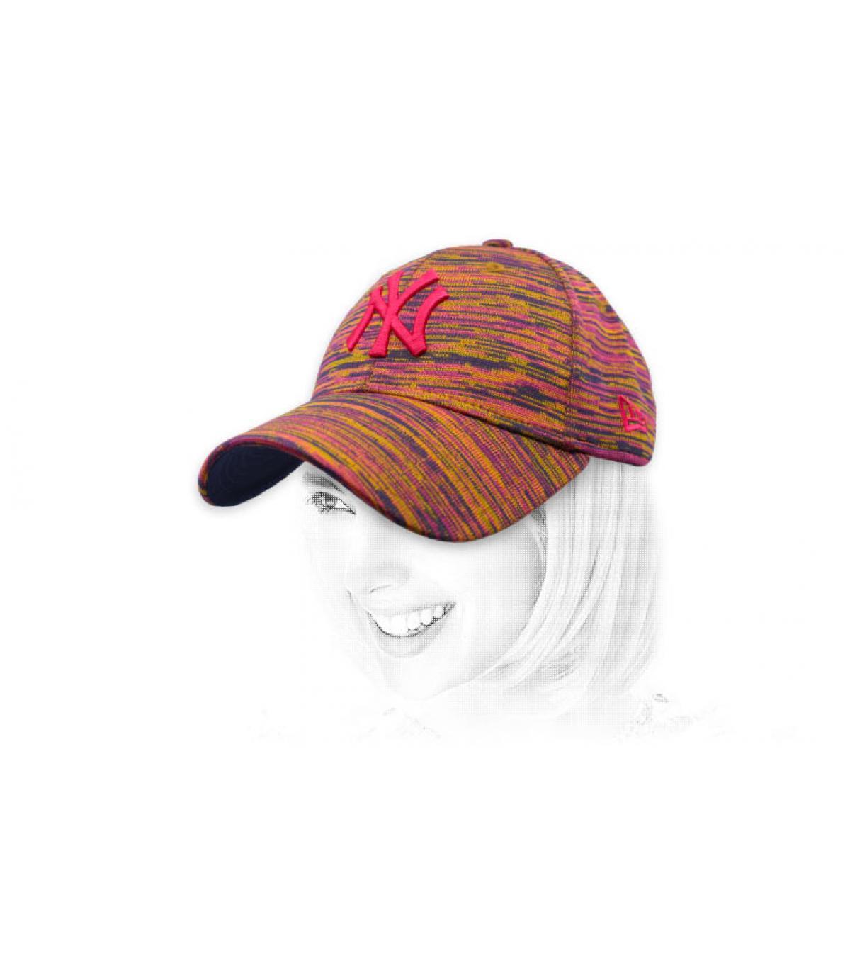 gorra NY mujer granate beis