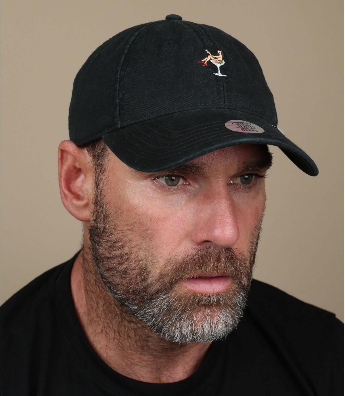 gorra negra cóctel