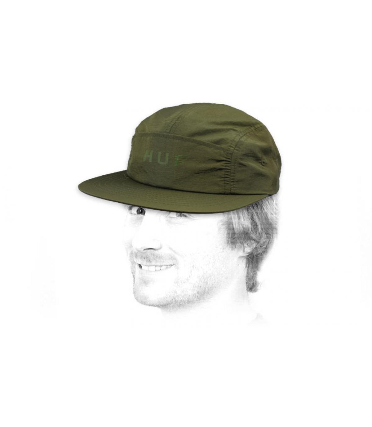 gorra 5 panel verde Huf