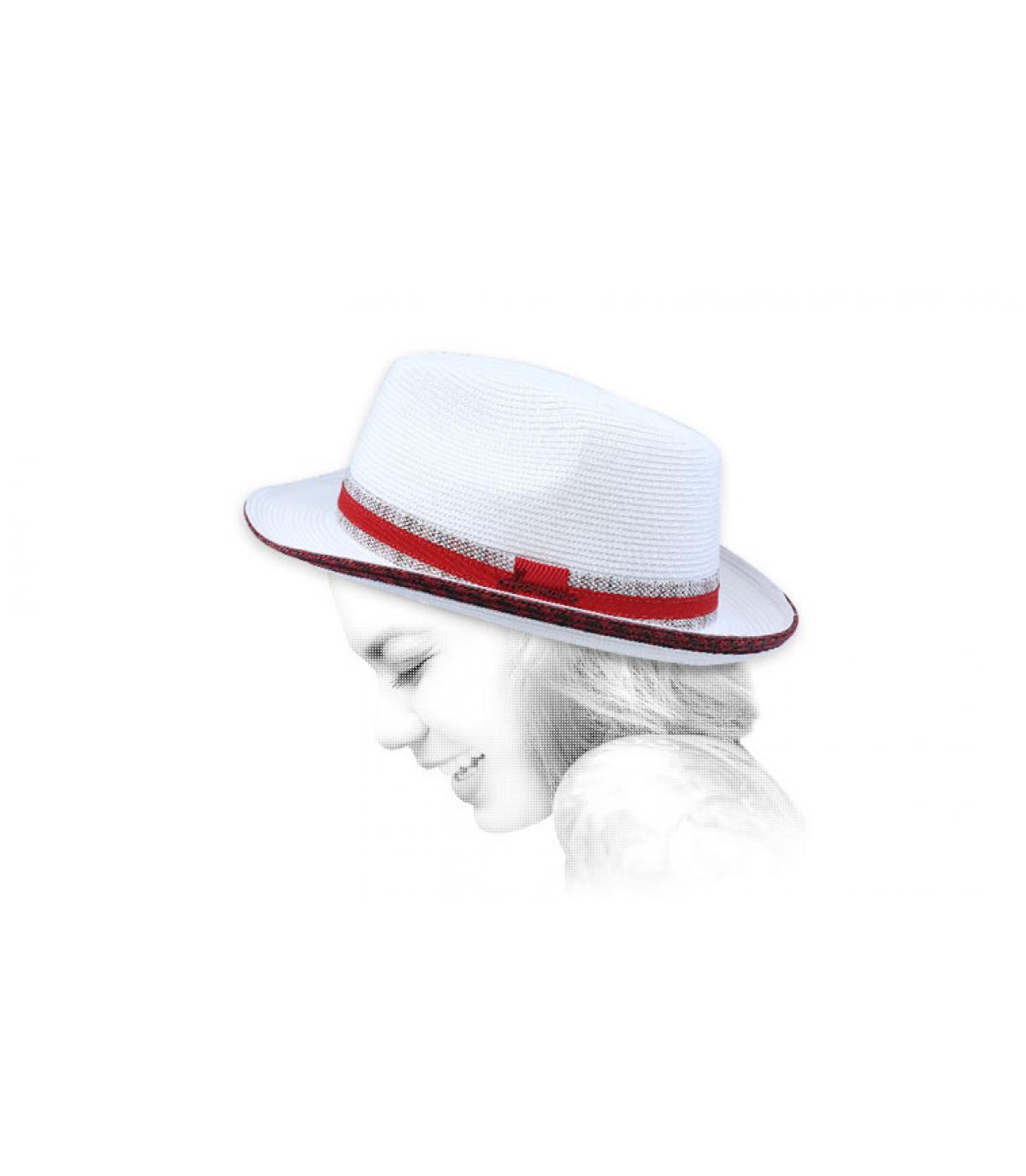 sombrero blanco cinta rojo