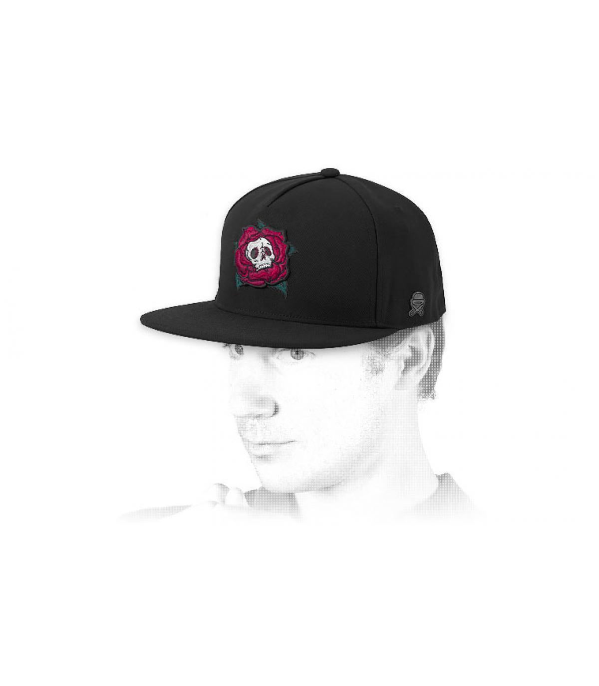 gorra rosa calavera azul