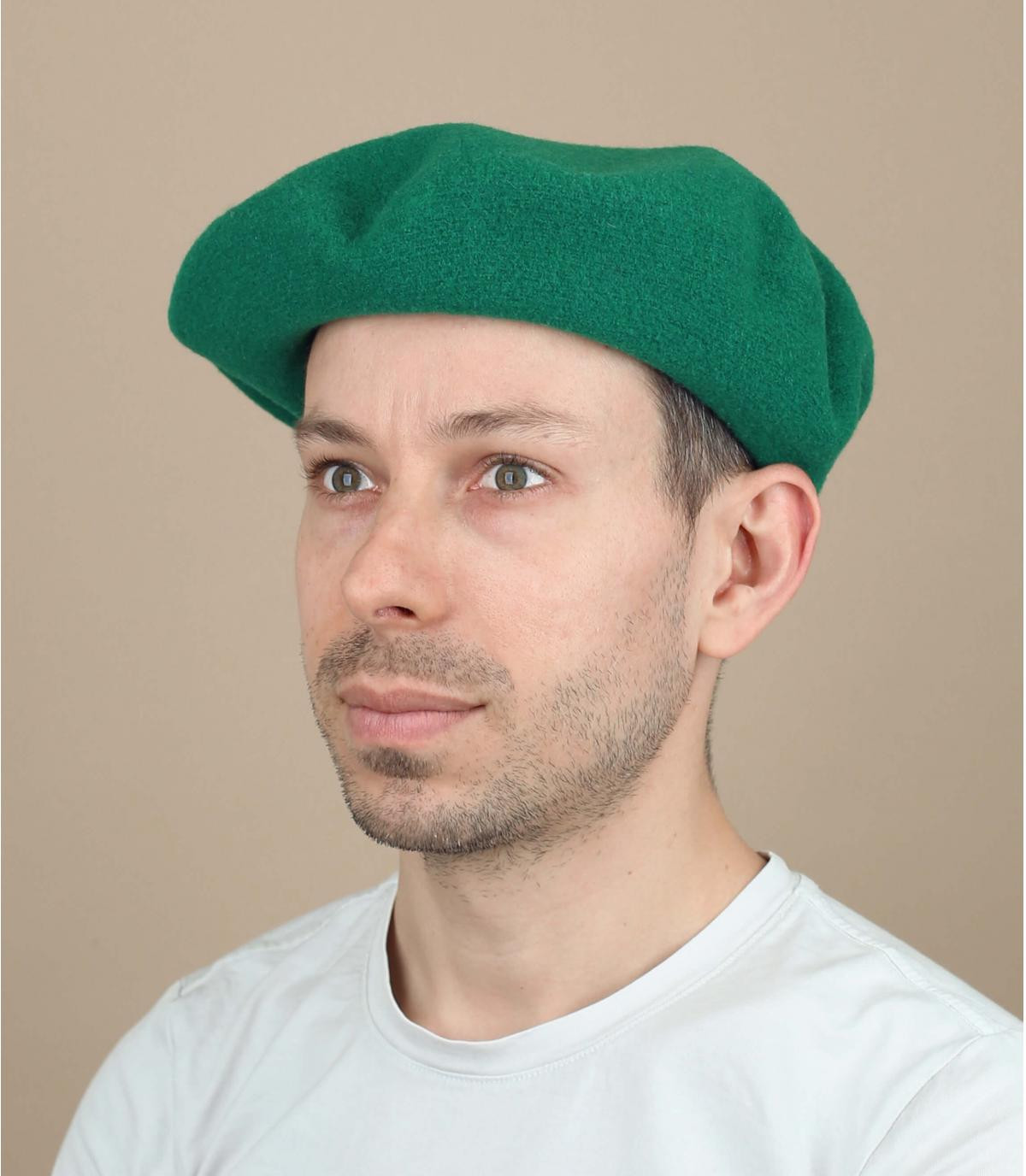 Gorro hombre verde
