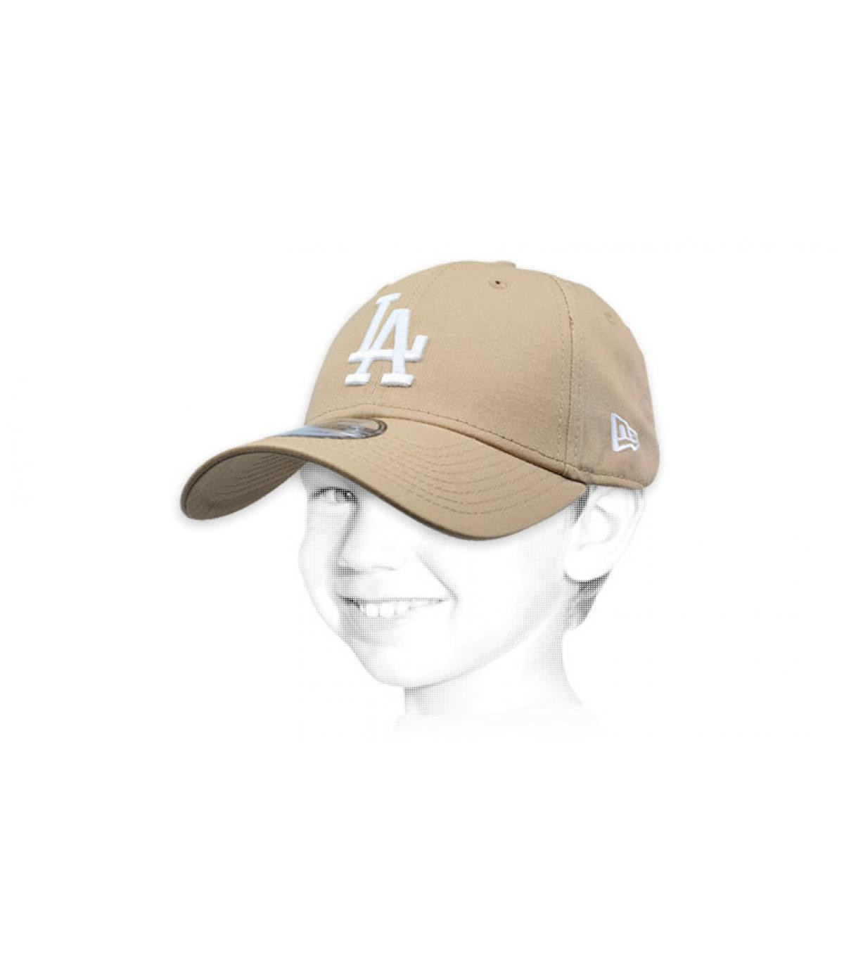 3825e458cf2b9 New Era League Ess 9Forty LA camel. 20€ - Indisponible. gorra niño LA beis