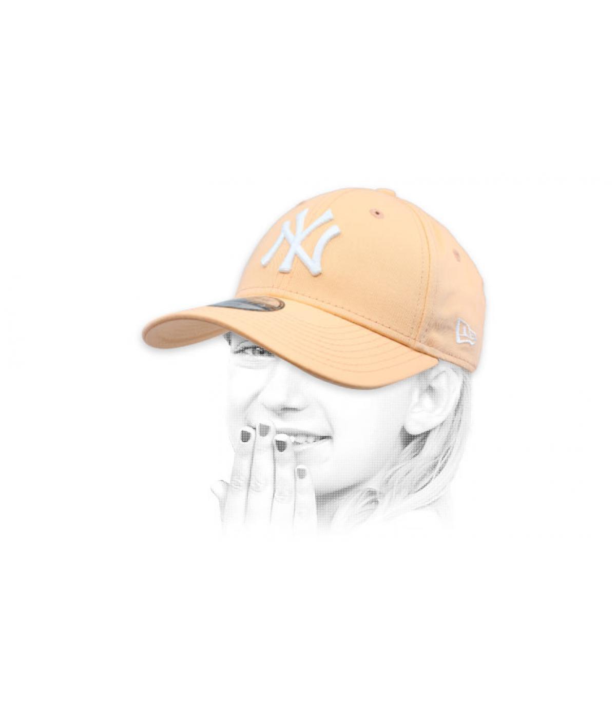 ef1a1b4b57827 New Era Baby League Ess 9Forty LA camel. 16€ - Indisponible. gorra niño  rosa NY