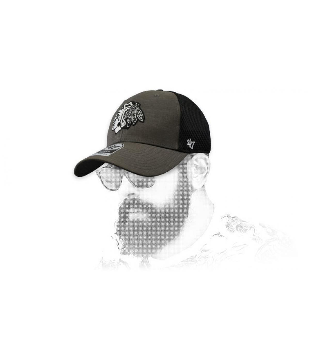 gorra Blackhawks gris negro
