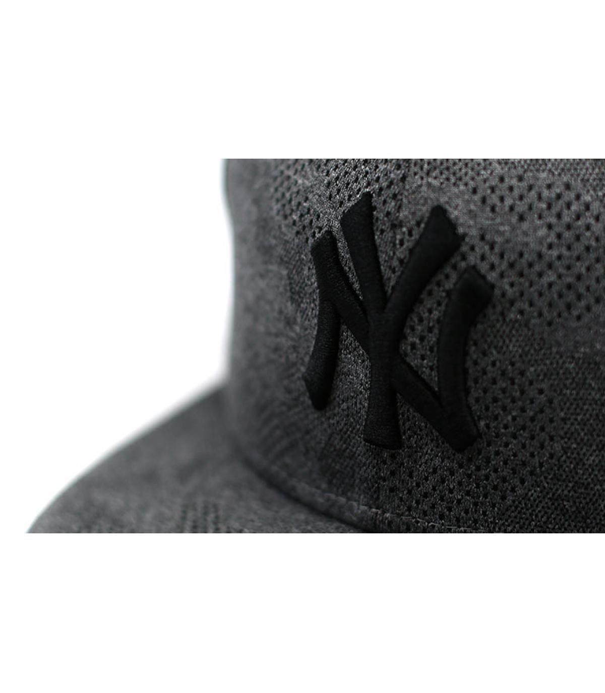 Detalles Engineered Plus NY 950 gray black imagen 3