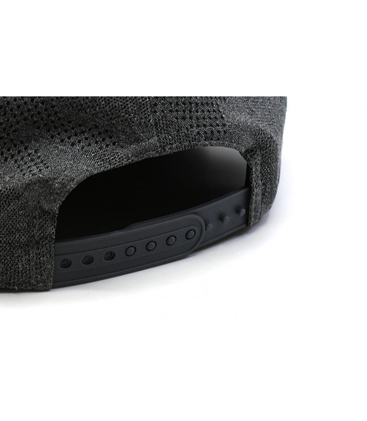 Detalles Engineered Plus NY 950 gray black imagen 5