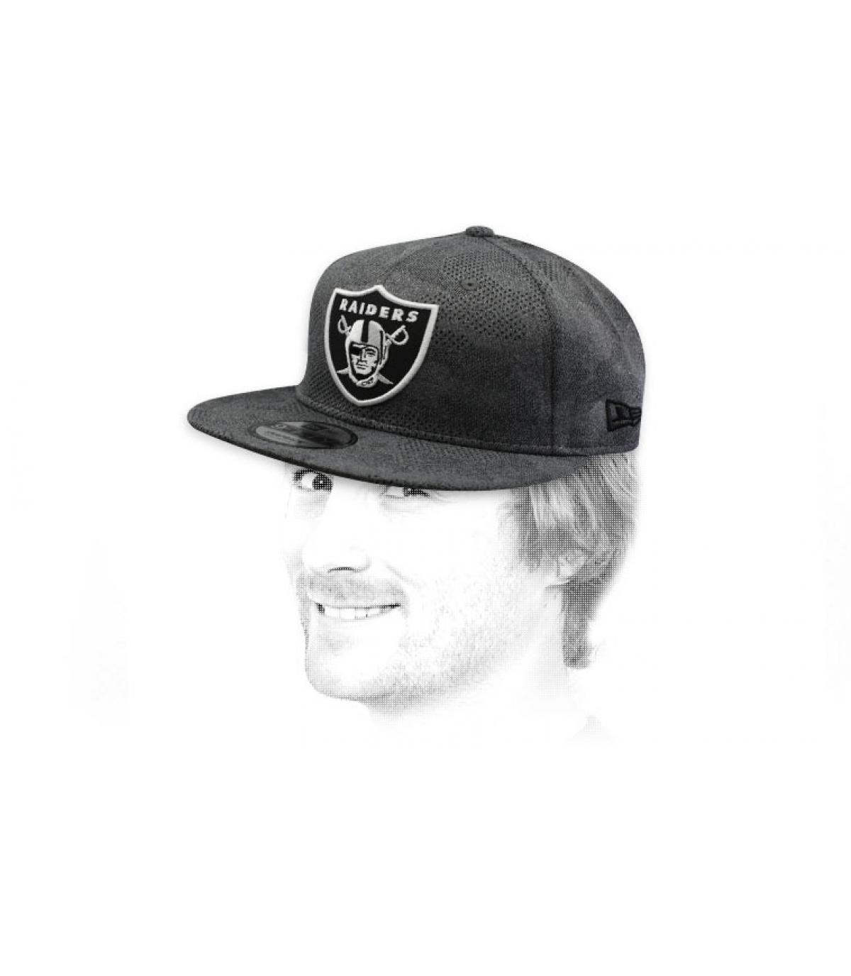 snapback Raiders gris negro