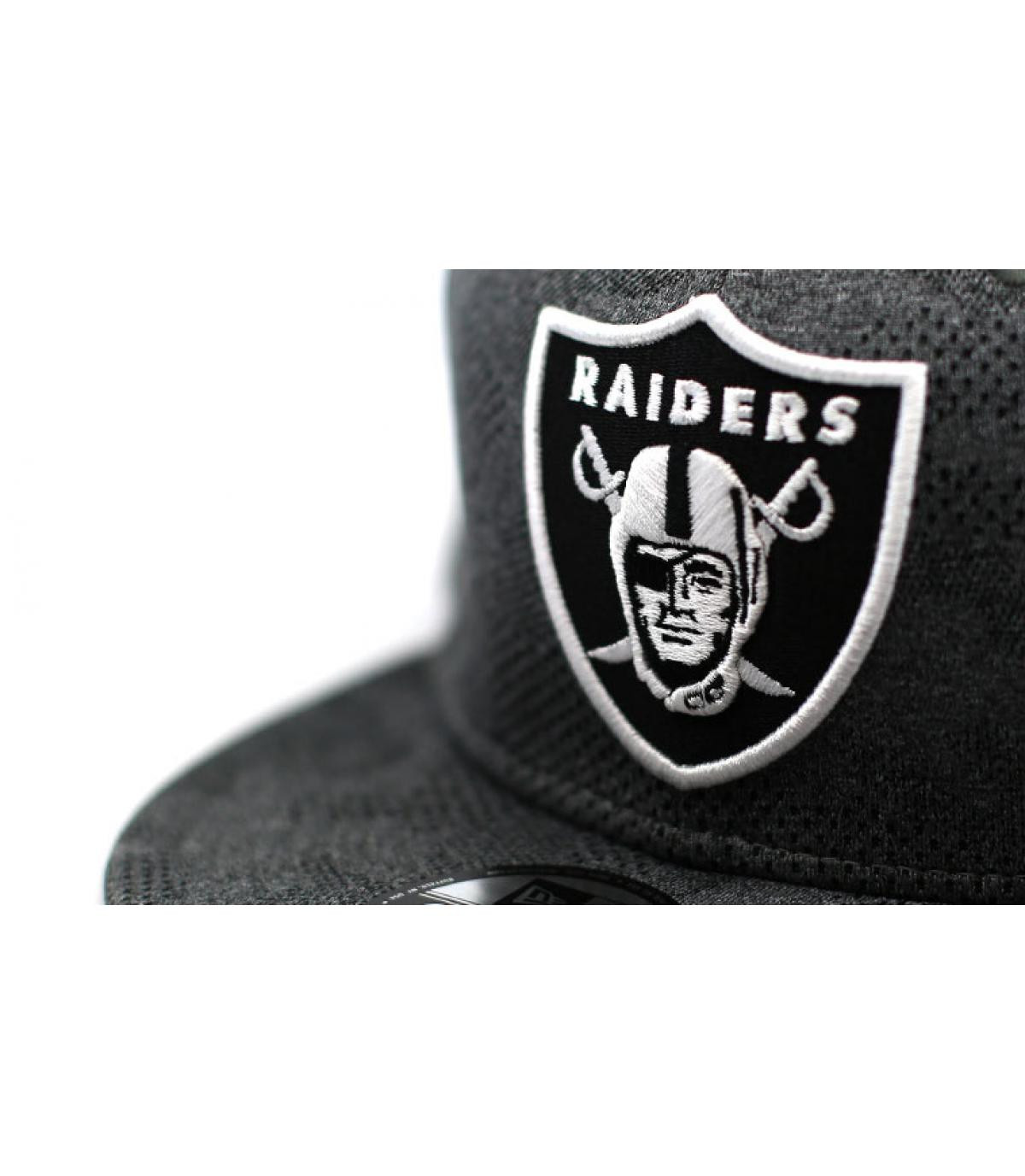 Detalles Engineered Plus Raiders 950 gray black imagen 3