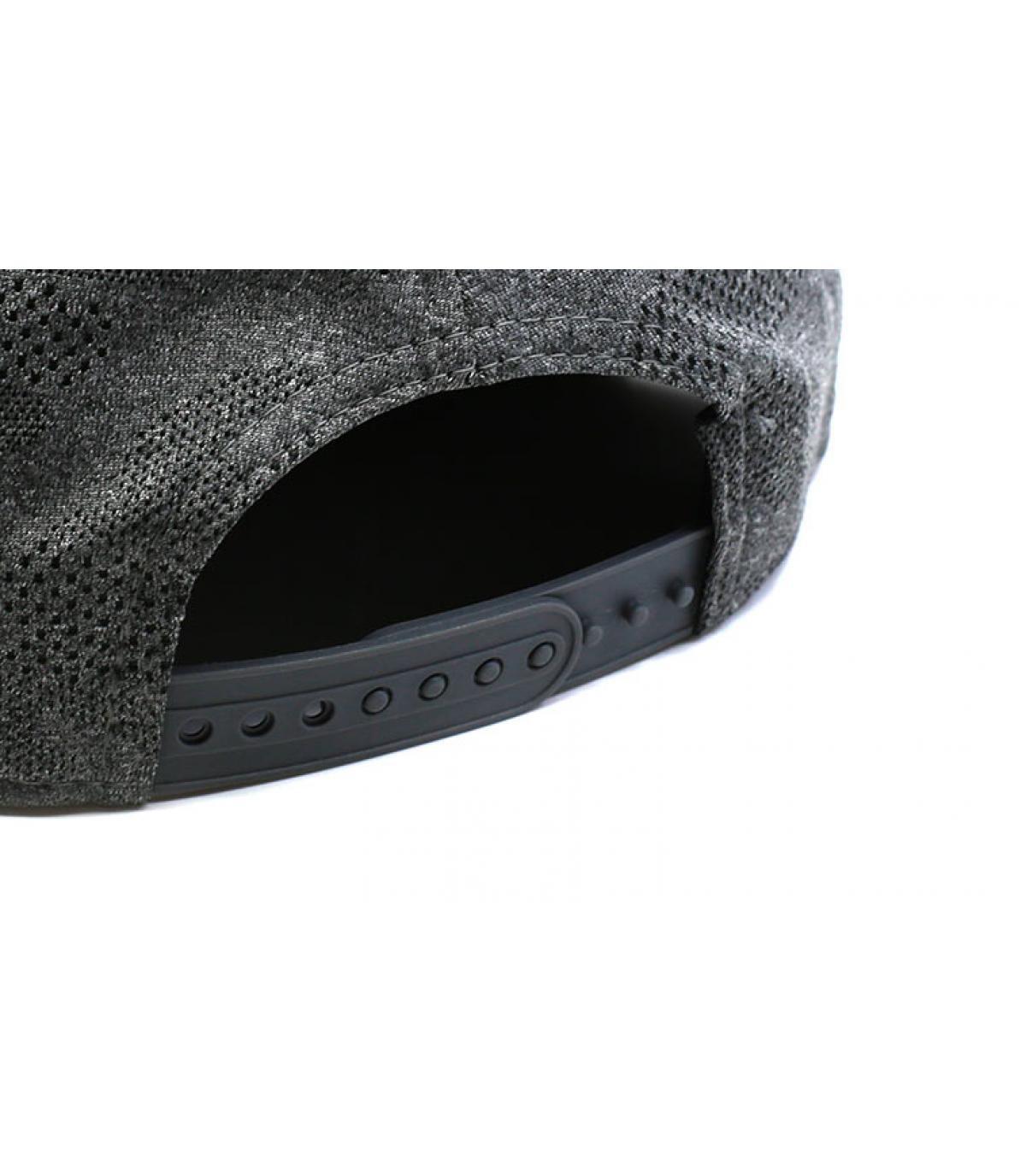 Detalles Engineered Plus Raiders 950 gray black imagen 5