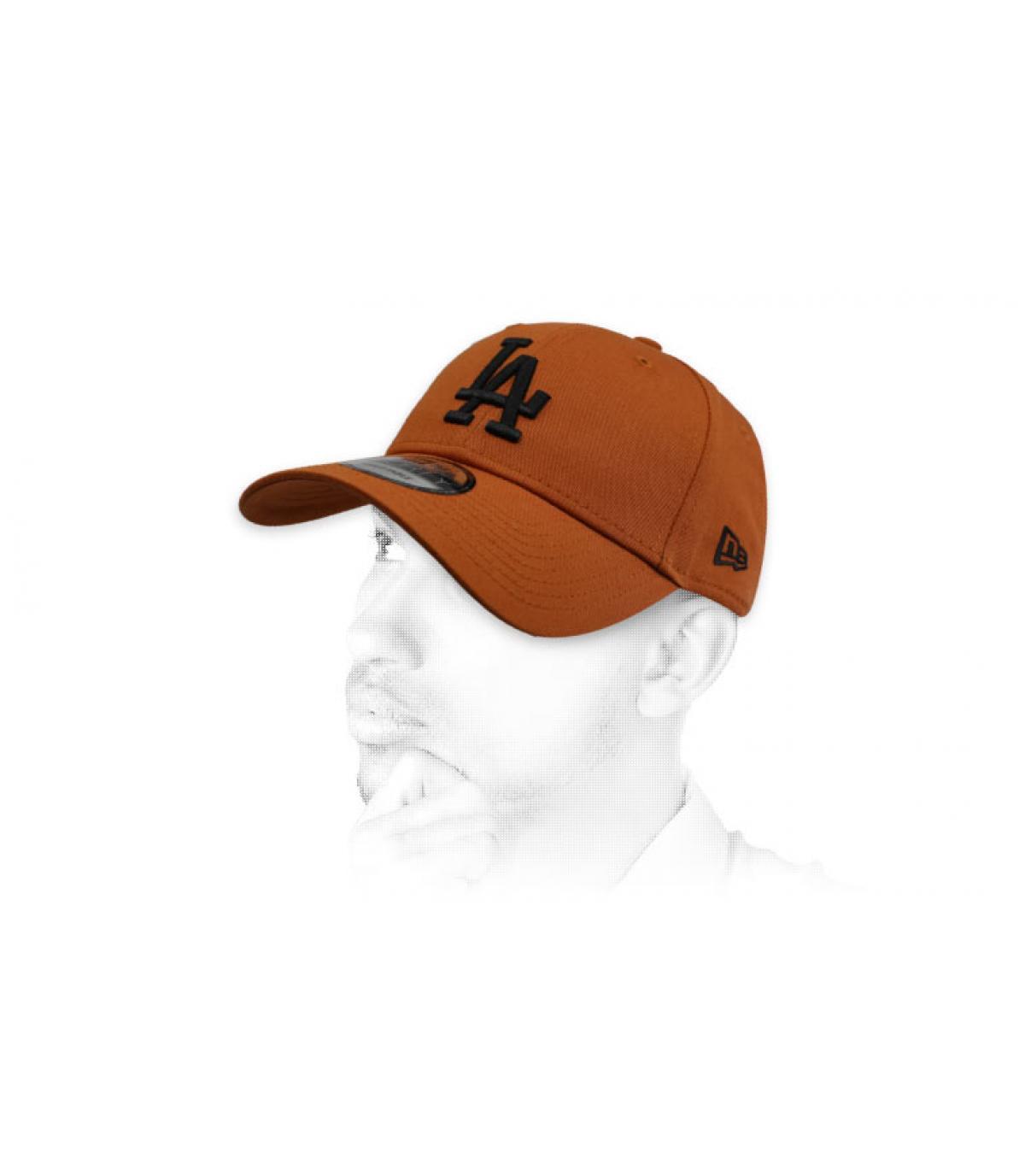 gorra LA marrón negro
