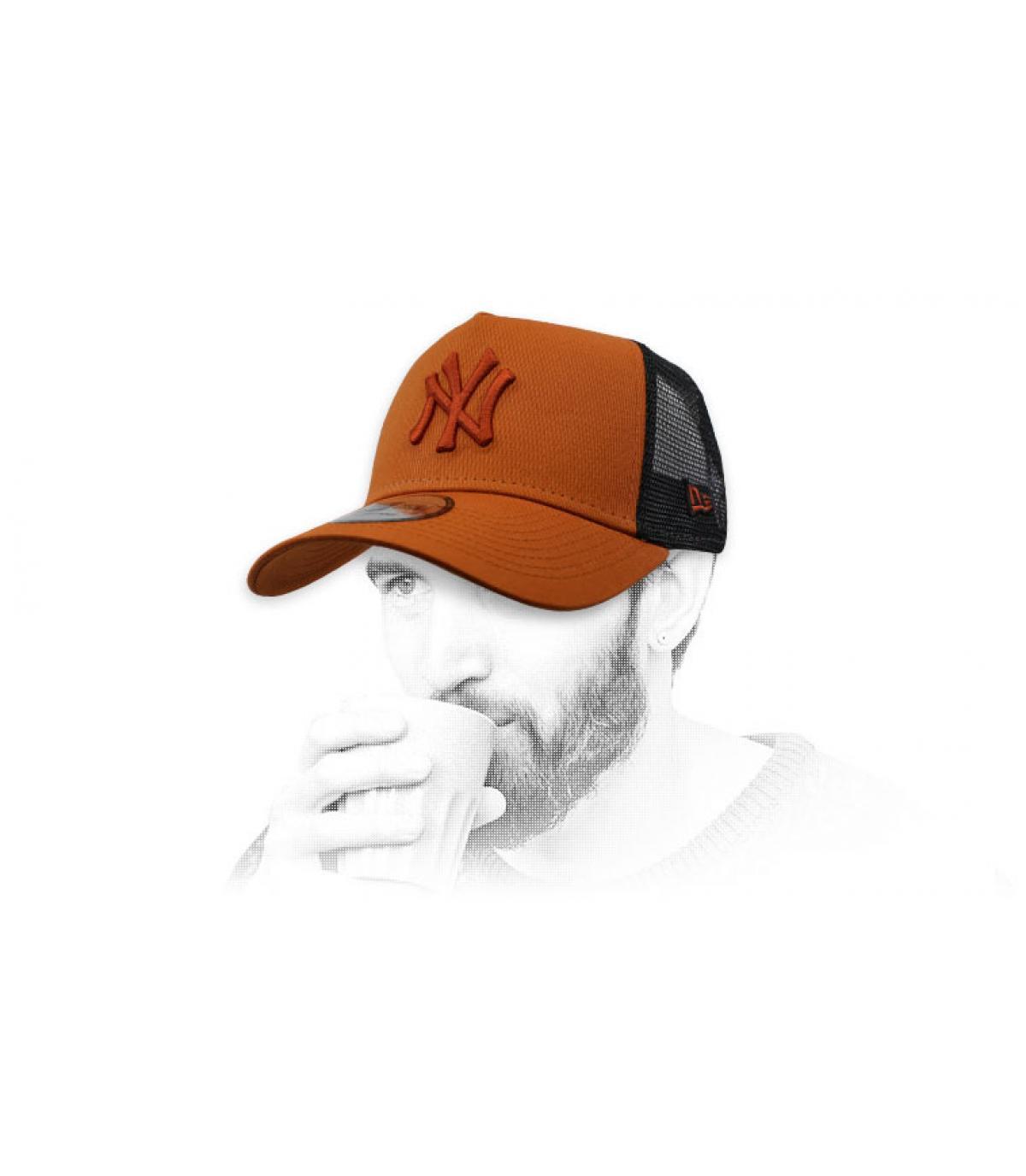 trucker NY marrón negro