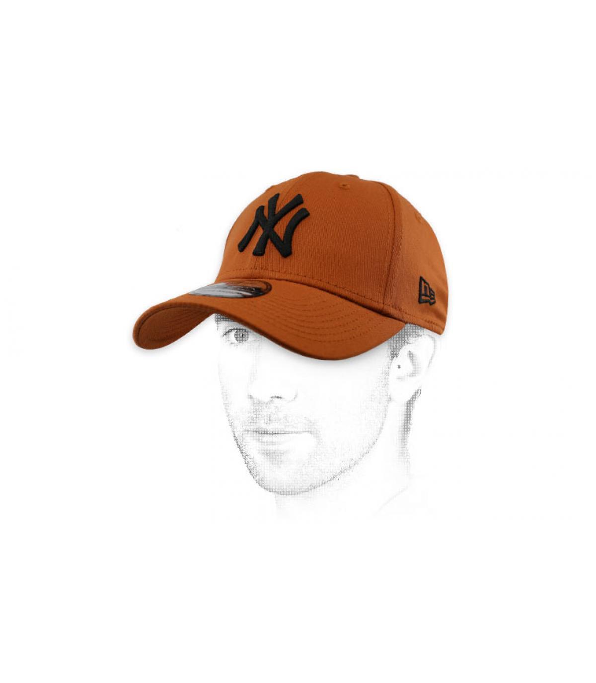 gorra NY marrón negro