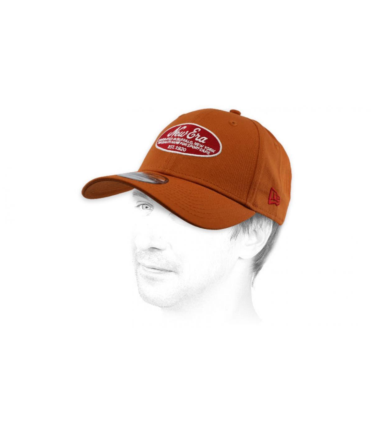 gorra New Era marrón parche