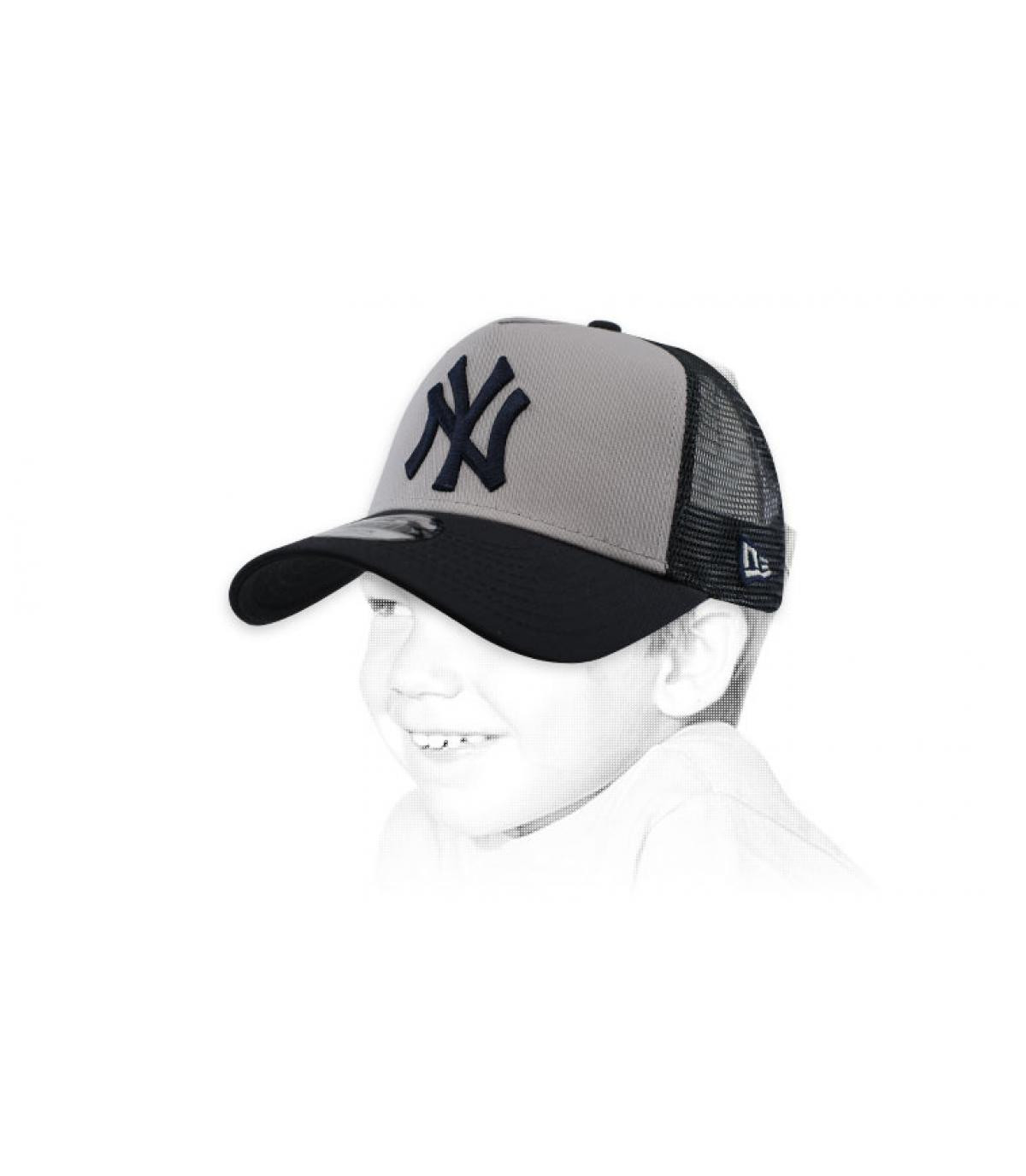 trucker niño NY gris blanco