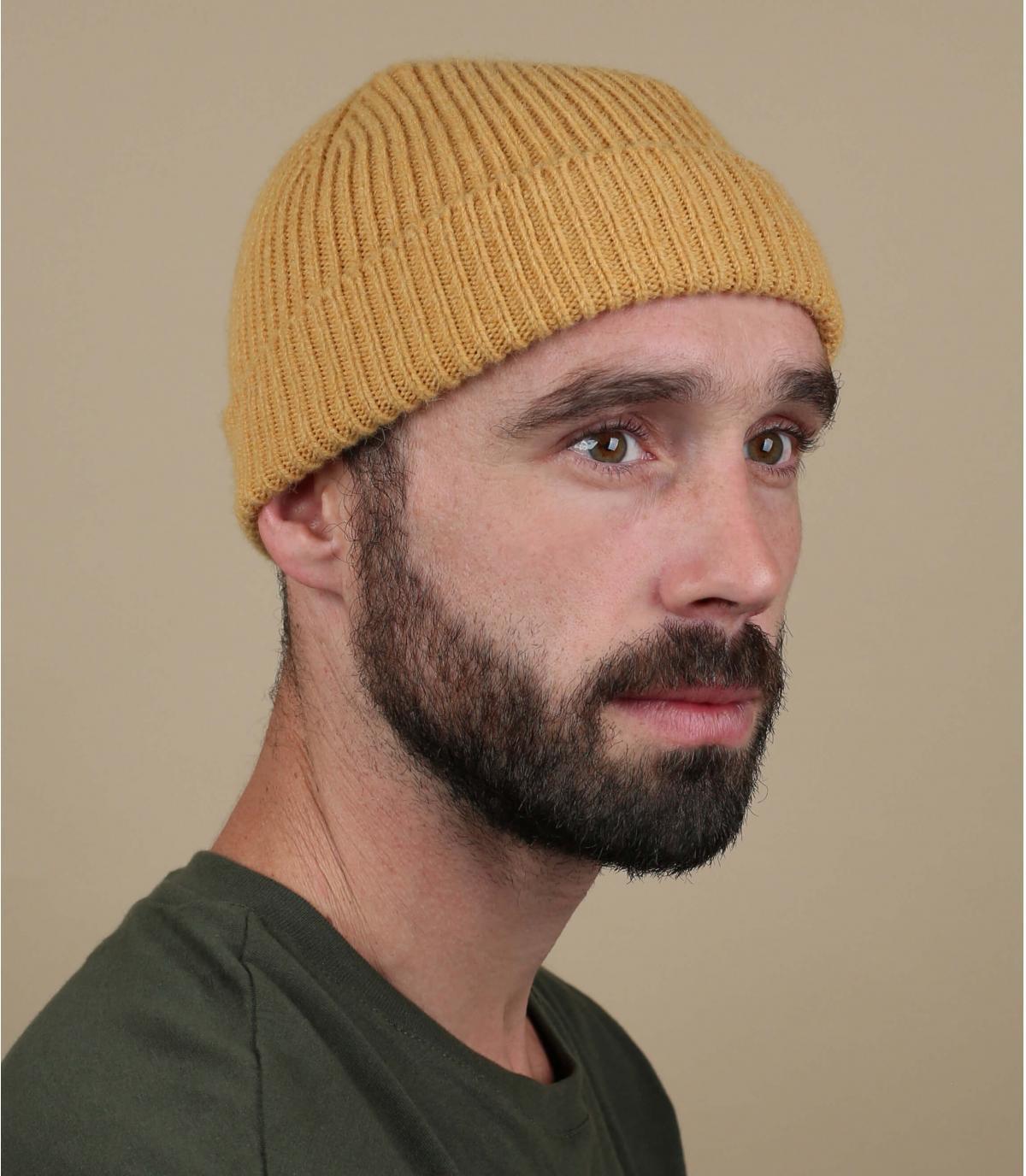gorro puño lana amarillo