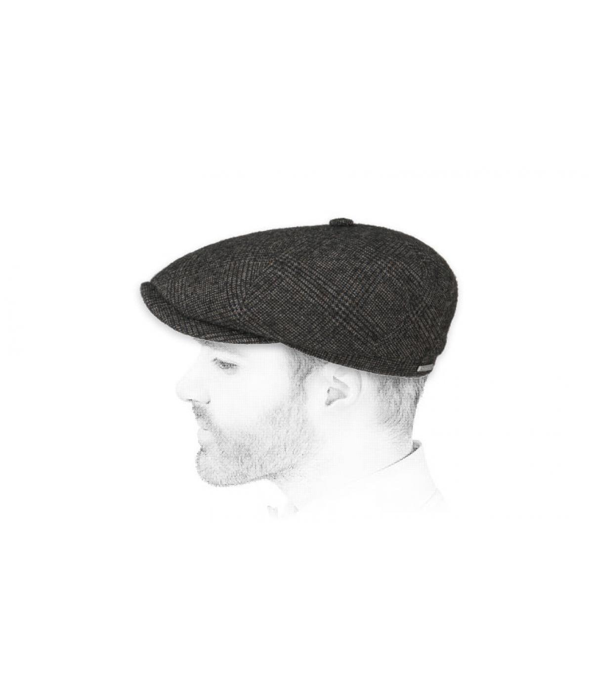 gorra repartidor gris cuadros