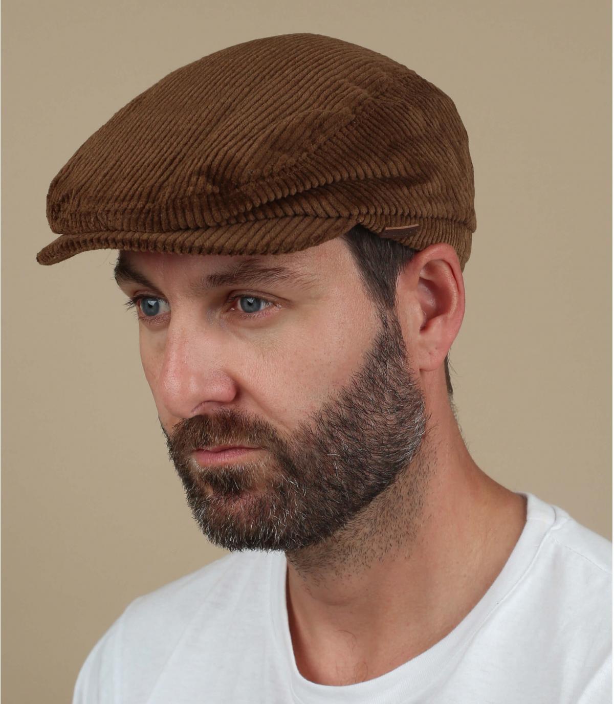 gorra marrón pana