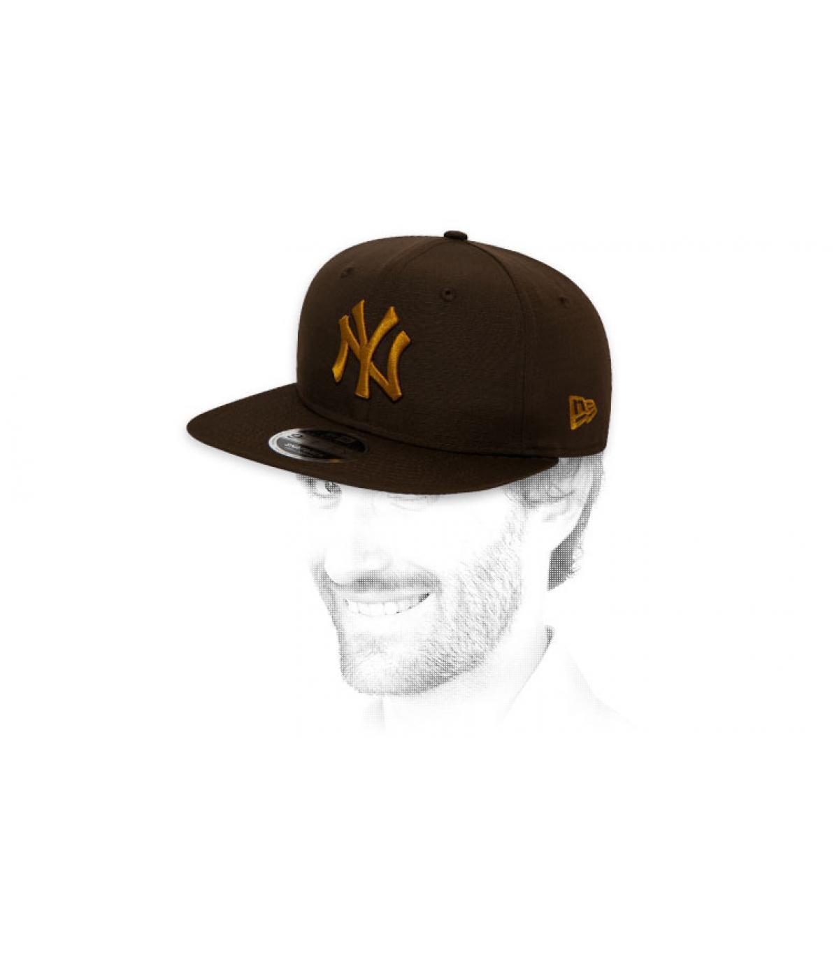 snapback NY negro oro