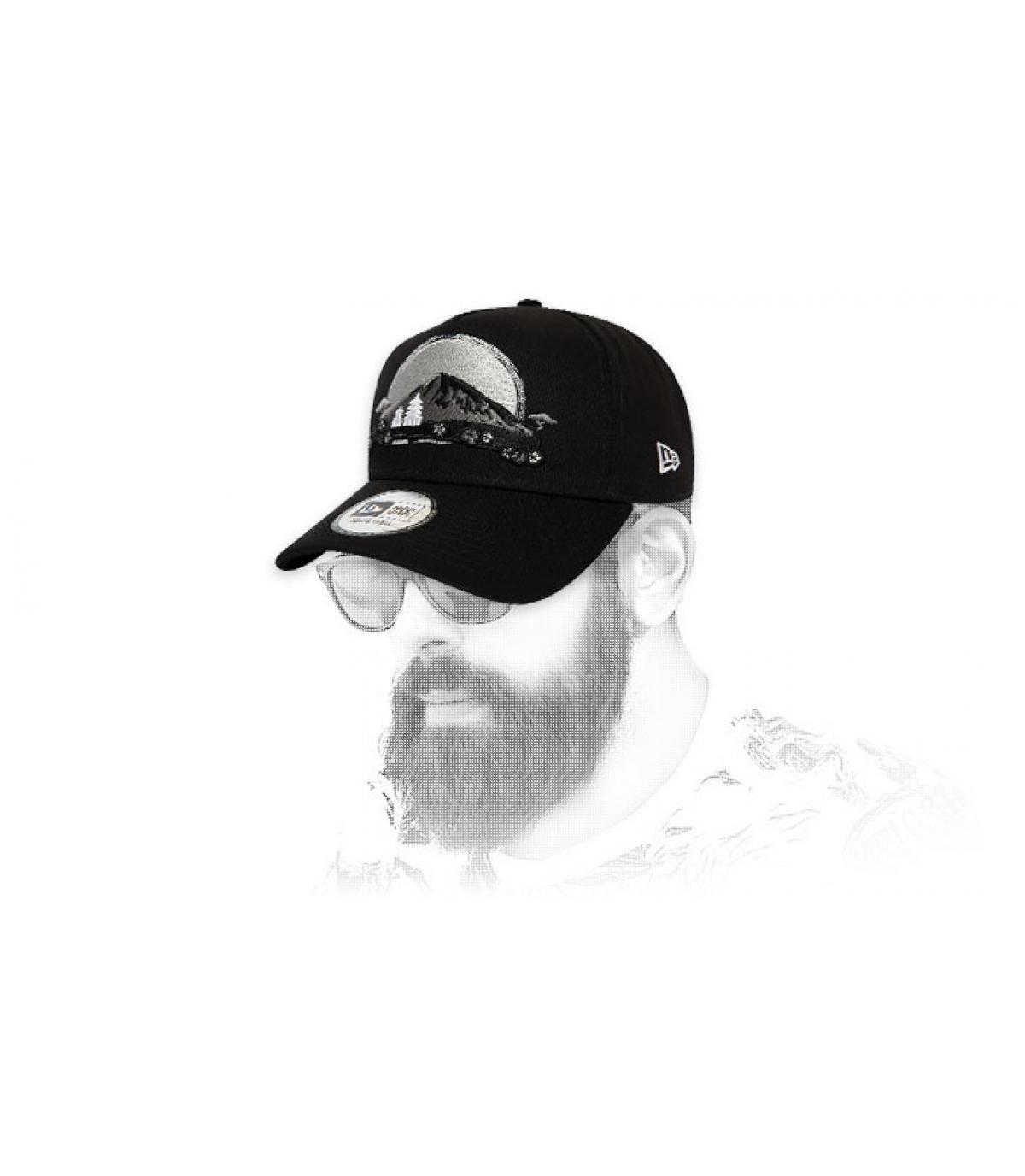 gorra bordada gris New Era