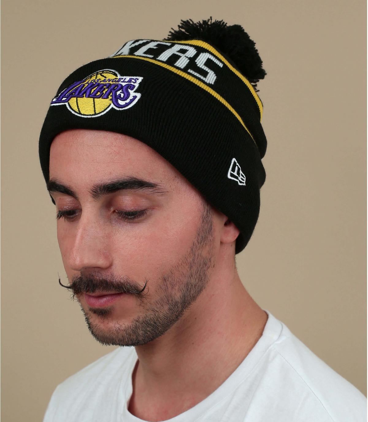 gorro Lakers negro pompón