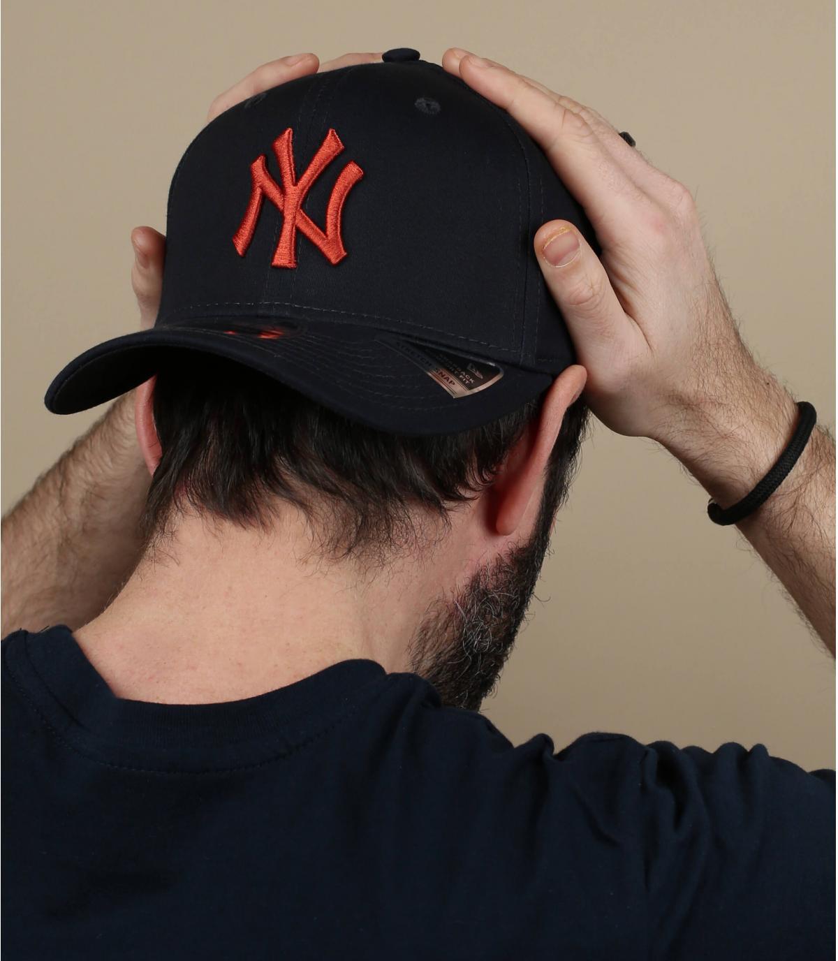gorra NY naranja azul