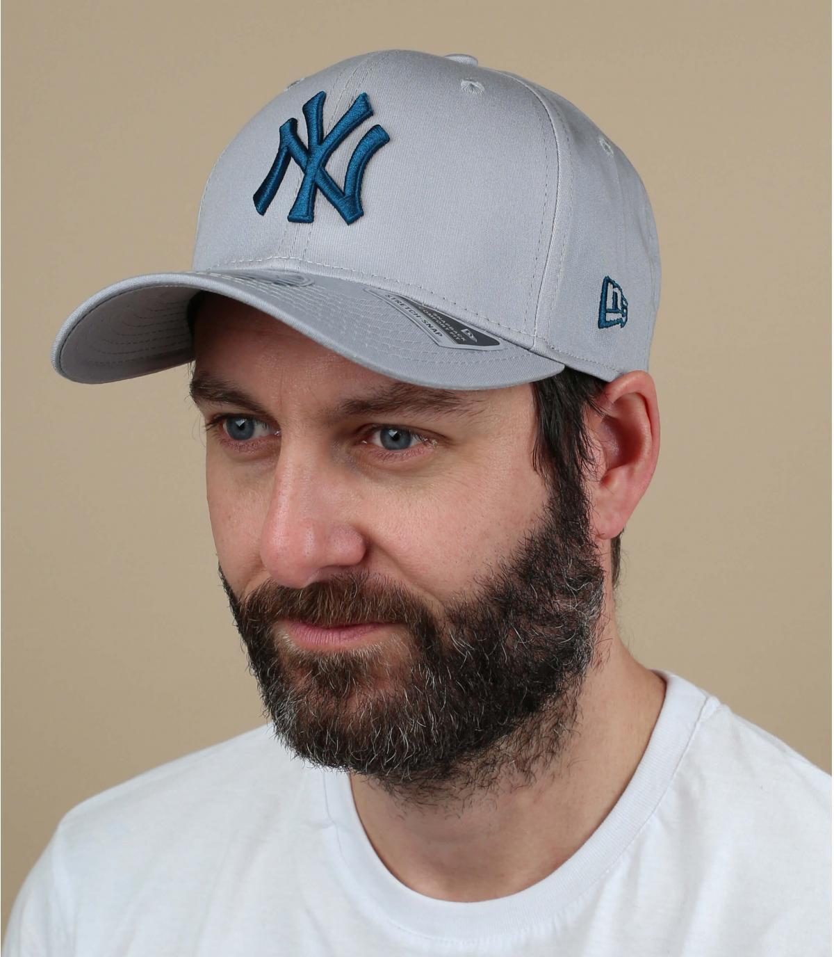 gorra NY azul gris