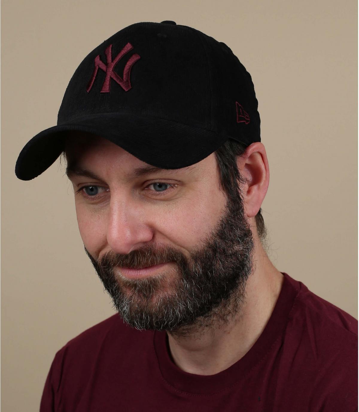 gorra NY pana negro granate