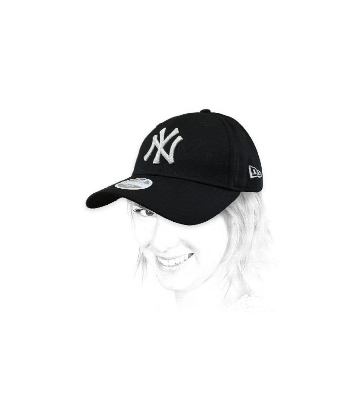 gorra mujer NY negro plata