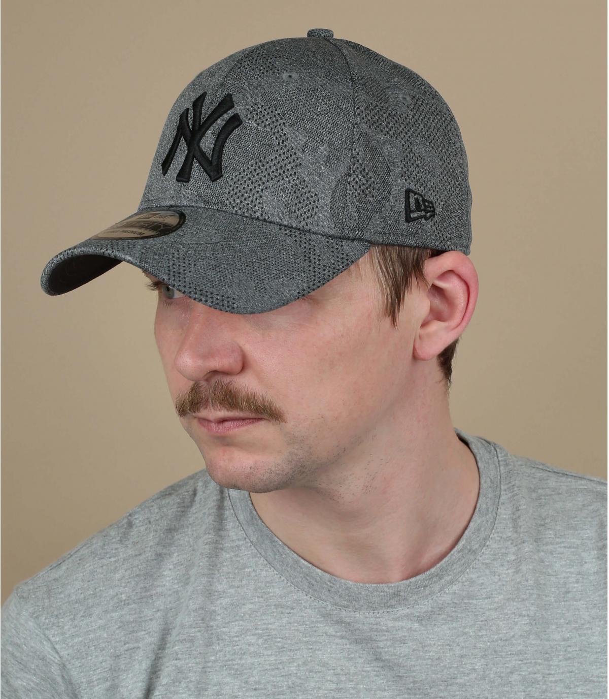 gorra NY gris negro