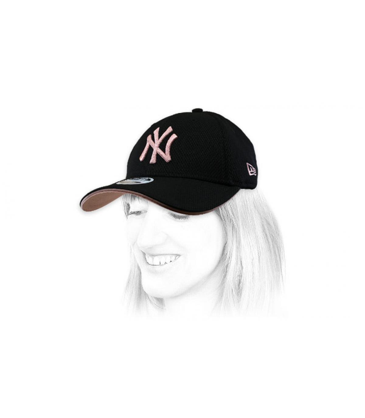 gorra mujer NY negro rosa