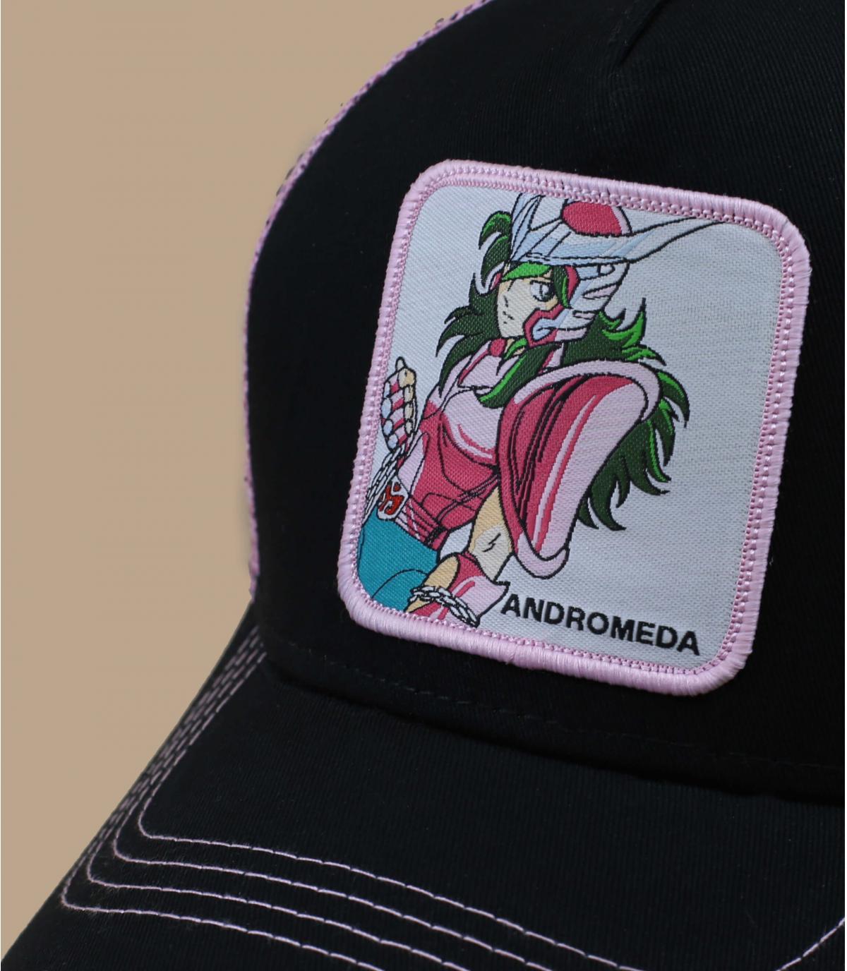 gorra negra de Andrómeda