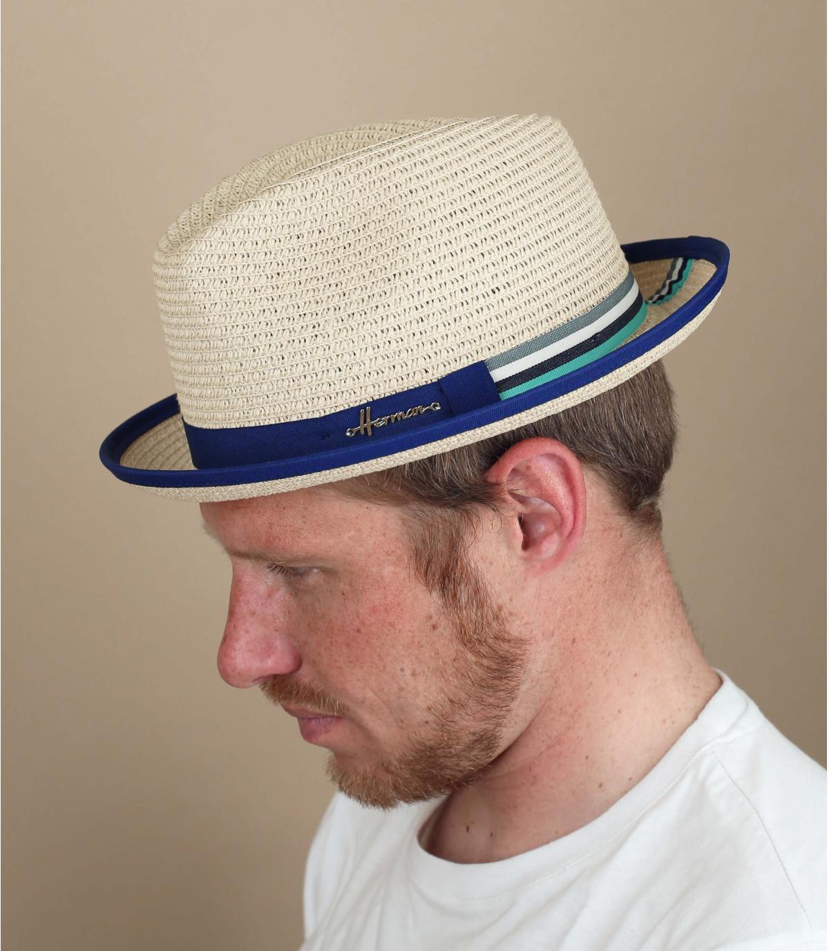 Sombrero paja detalle contrastante